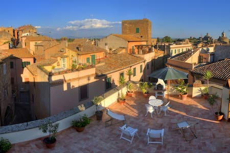 "Casa Vacanze ""La Terrazza"" - Tuscania - Apartmen"