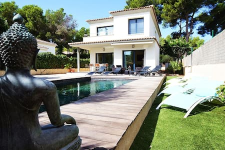 Modern villa with private pool - El Toro