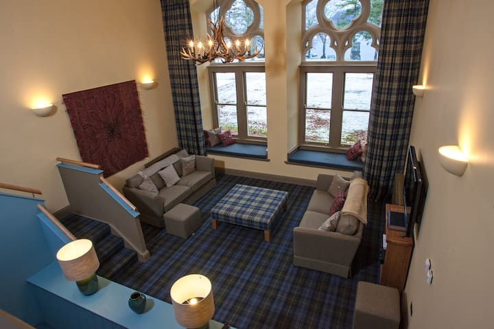 Monastery apartment by Loch Ness - Saint Benedicts Abbey - Apartamento