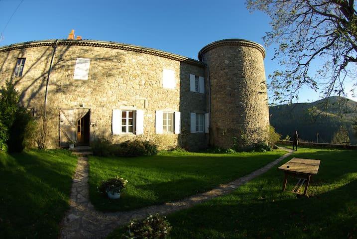 Chambre d'hôtes la Rivoire - Saint-Julien-Molin-Molette - ที่พักพร้อมอาหารเช้า