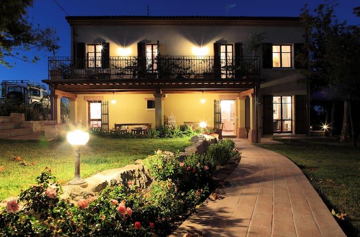 Le Case Antiche Albergo Diffuso - Verucchio - Villa
