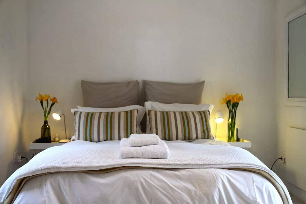 Double Bed with percale linen