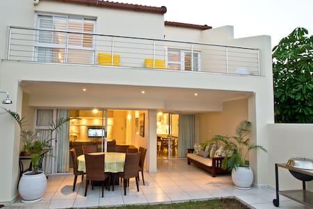 D3 Sea Lodge - Luxury Apartment - Umhlanga Rocks