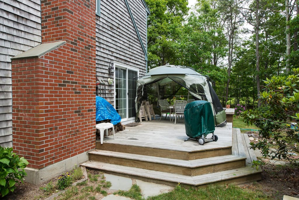 Rear deck entrance & screen house