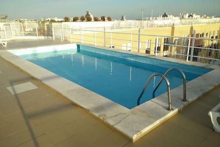 Lisbon flat: swimming pool+garage - Apartment