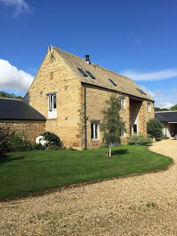 Stone barn conversation, sleeps 8 - Hook Norton - Huis