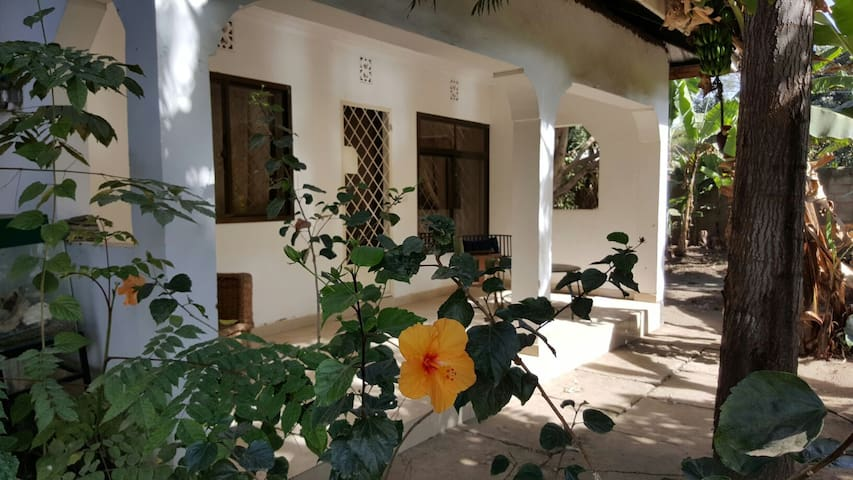 1 BD house in friendly compound - Arusha - Casa