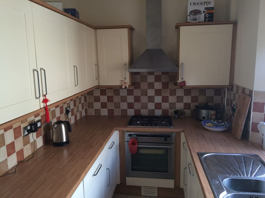 Nice wee kitchen Gas Hob and Oven