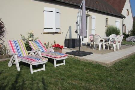 2à 4 P chambre dans vallée la Loire - La Ville-aux-Dames