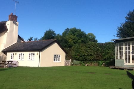 Peaceful Rural Annex for two - wiveliscombe, taunton - 아파트