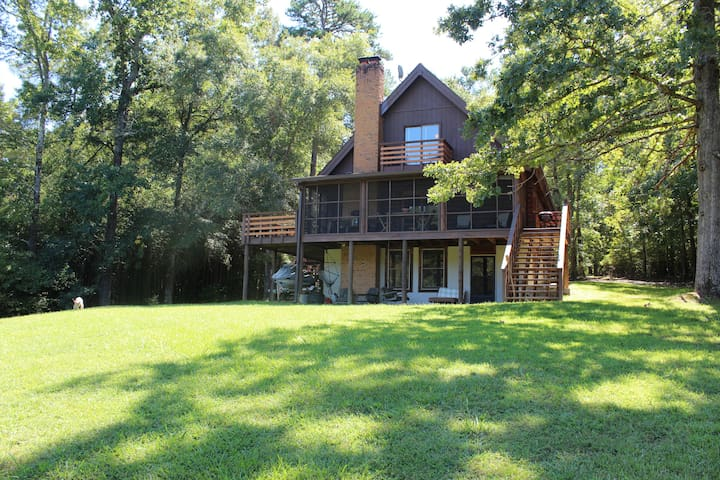 Amazing Log Cabin on Lake Oconee! - Greensboro