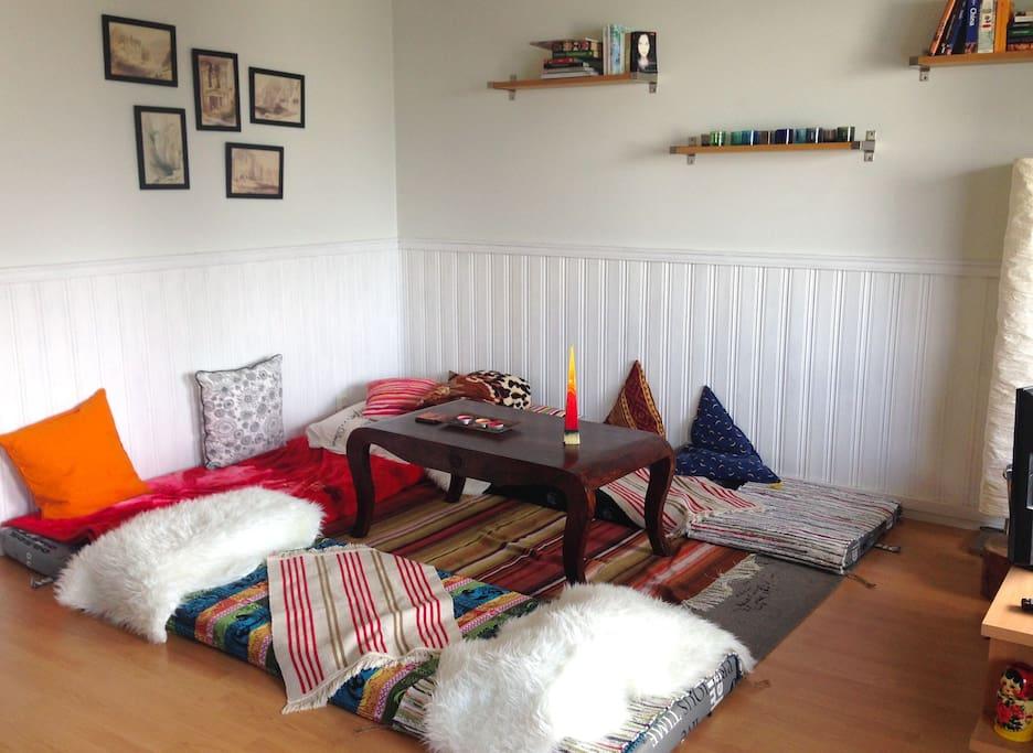 Spacious and cozy livingroom