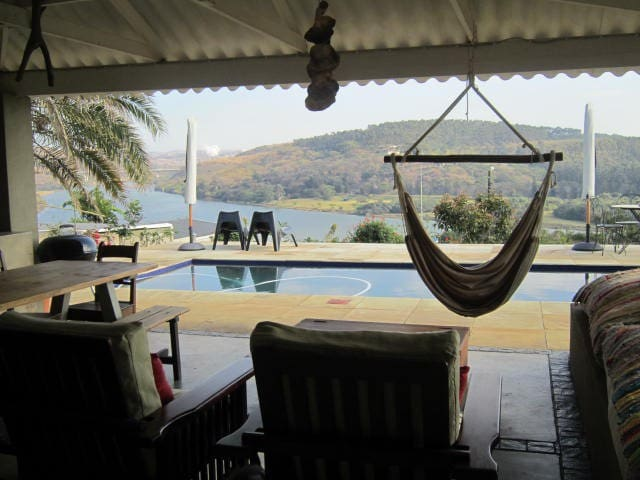 Shark and Shoal Guesthouse Room 4 - Umkomaas - Bed & Breakfast