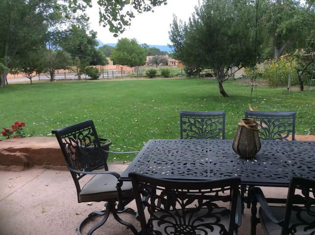 Bosque Oasis in Historic Corrales - Corrales - House