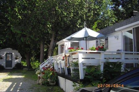 Maison propre à 2 km de Valcourt - Valcourt