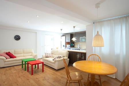 Modern Sunny and spacious apartment - Paterna