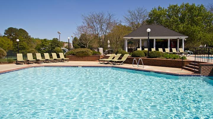 The Historic Powhatan Resort-4 bdrm - 1 night min.