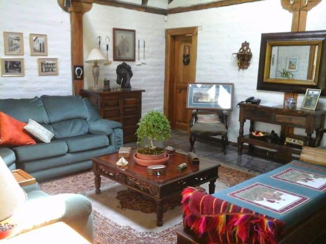 Lovely country house in Ecuador - Cotogchoa - Casa