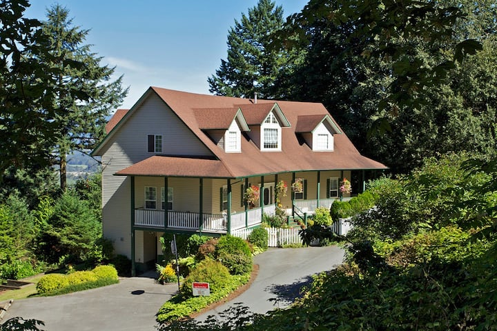 Mountain view two bedroom in-law suite