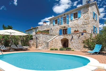 Beautiful Villa Margaret on Krk - Garica