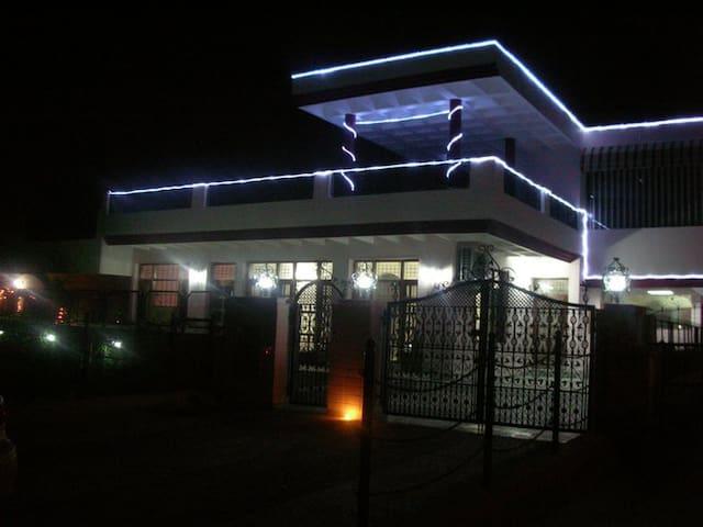 A 5-star experience - in Chandigarh - Sahibzada Ajit Singh Nagar - Dom