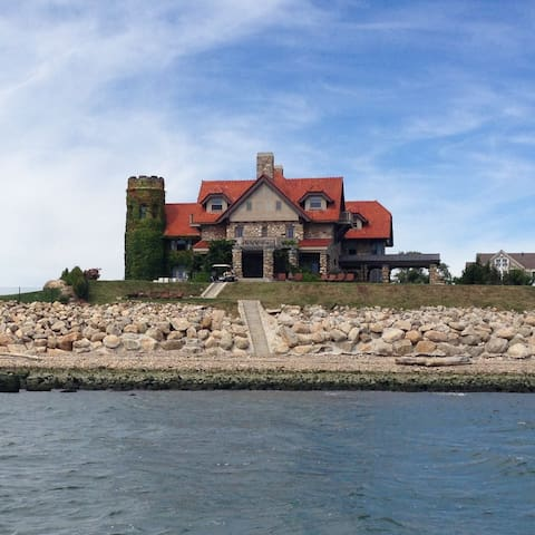 Hartlands Castle at Cornfield Point - Old Saybrook - Huis