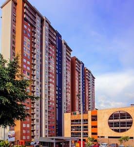 Metro Apartment - Appartement