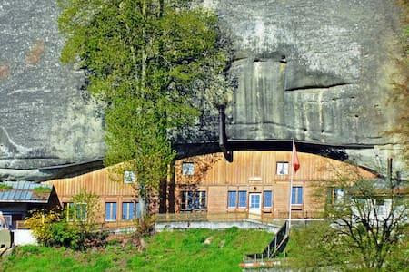 Fluehüsli -the house in the cave - Krauchthal - Mağara