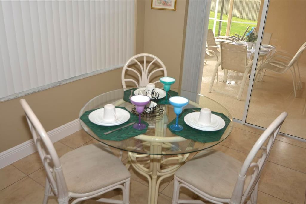 Nook breakfast table