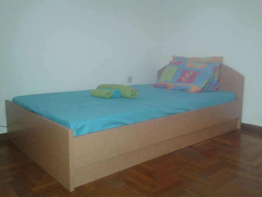 bed as semi which can accommodate one or two people