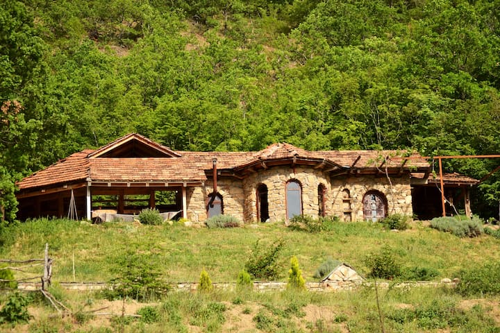 Unique, stone-built countryhouse in a rural area - Pelince, Pelintse - Casa de campo