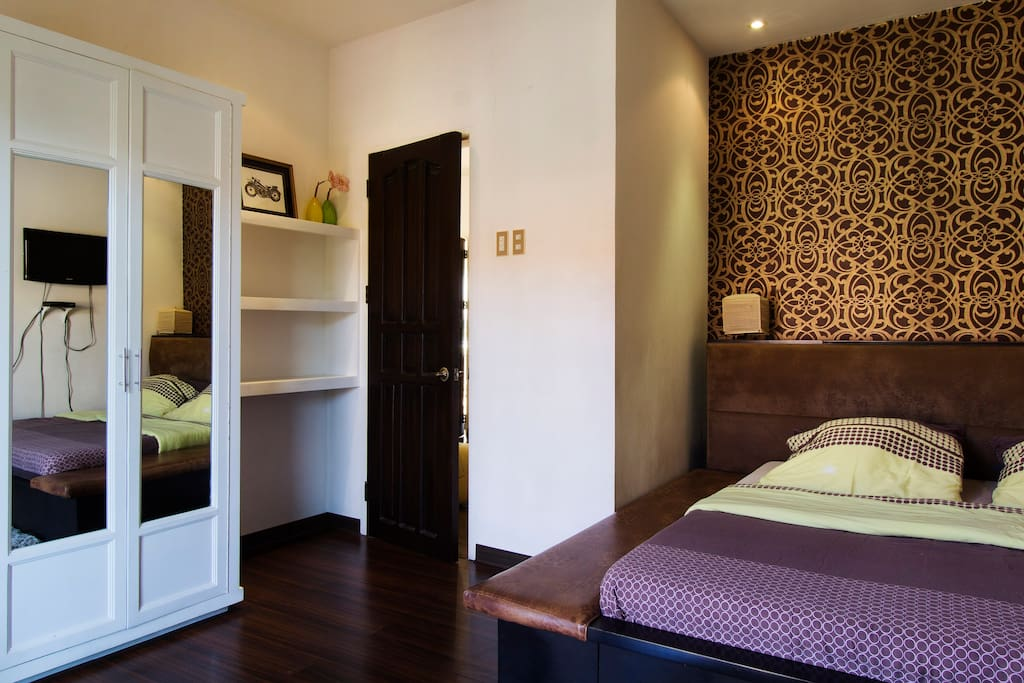 Main House- Guest Bedroom with balcony , with king size bed