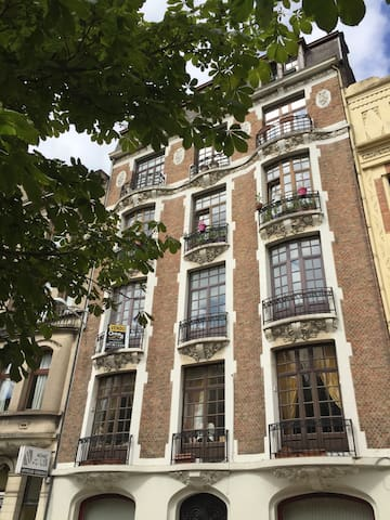 Chambre étudiant / stagiaire - Charleroi - Byt