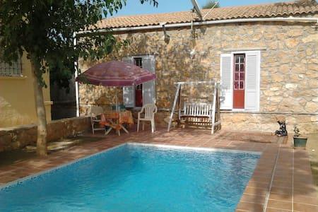 maison avec piscine - Hus
