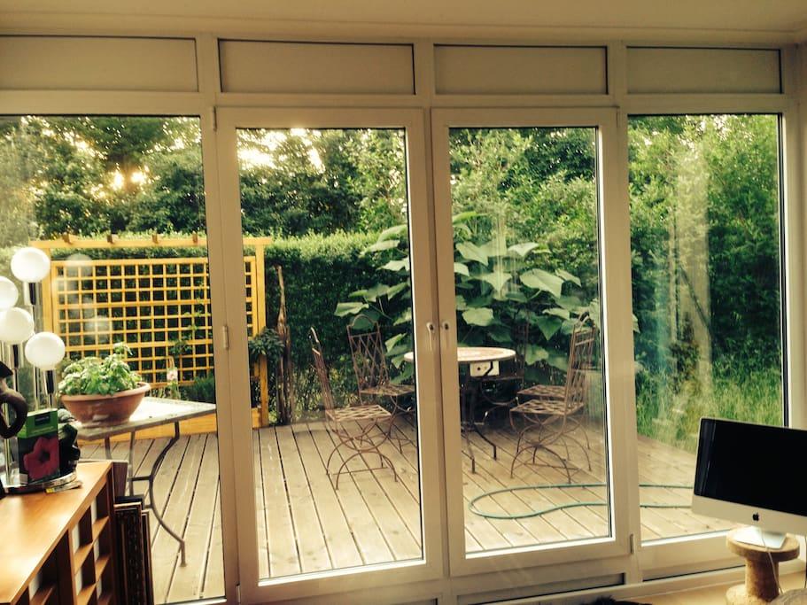 helle 2 zimmer wohnung am dornbusch wohnungen zur miete in frankfurt am main hessen deutschland. Black Bedroom Furniture Sets. Home Design Ideas