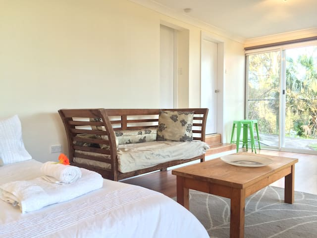 Studio Style Room above the Beaches - Bilgola Beach - Apartamento