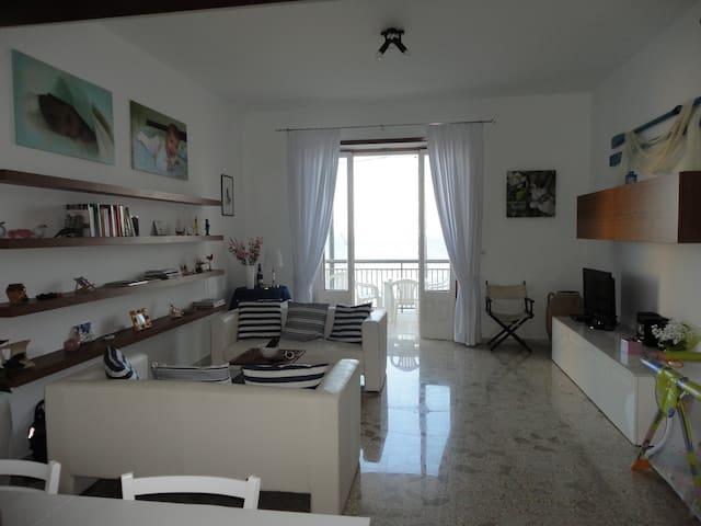 Marina Serra  casa fronte mare. - Marina Serra - Apartment