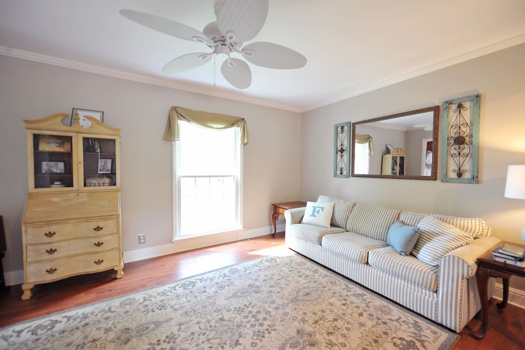 Living room that flows to family room