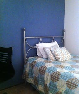 Room type: Private room Bed type: Real Bed Property type: Townhouse Accommodates: 1 Bedrooms: 1 Bathrooms: 1.5