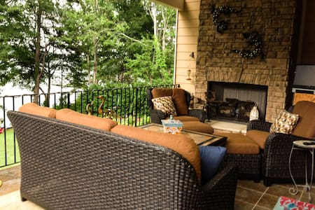 Relaxing Lake Hartwell Home - Lavonia