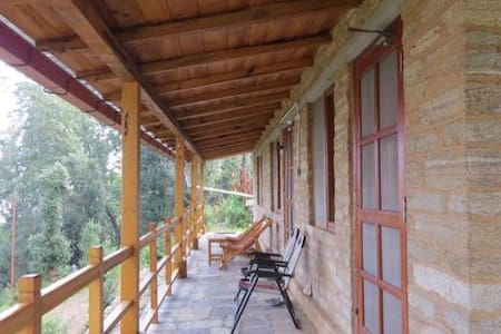 House in forest away from Main Road - Satkhol