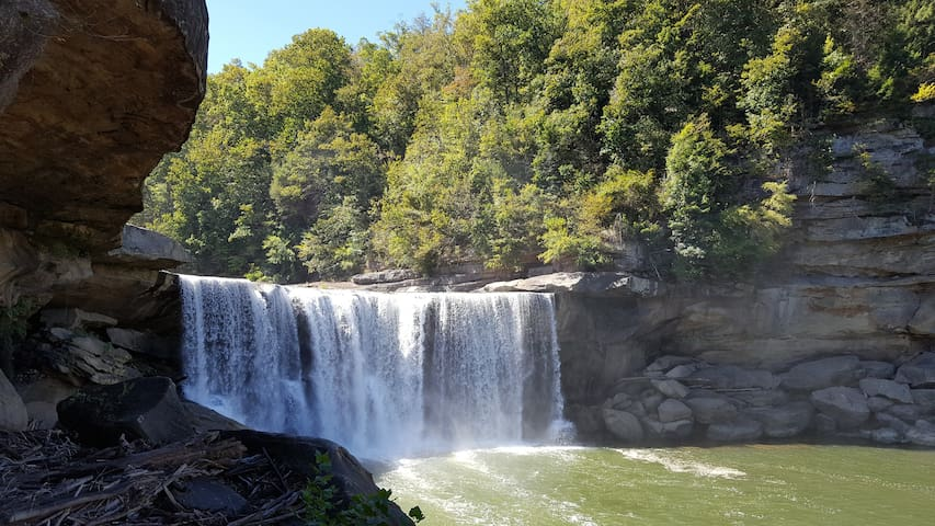 Cumberland Falls. Less than 5 miles from Johnson House