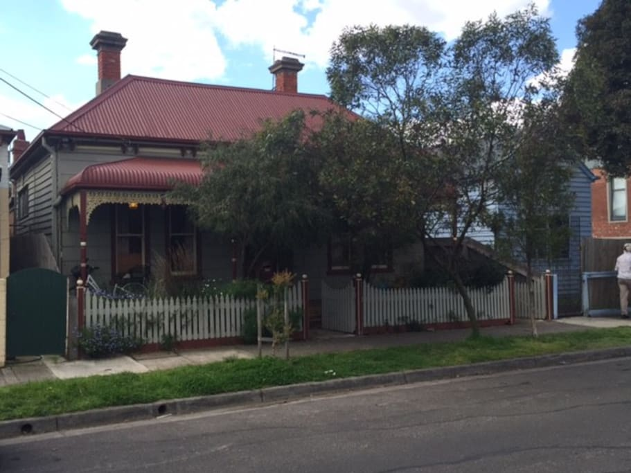 Double fronted 3 bedroom Edwardian  home with gardens front and back