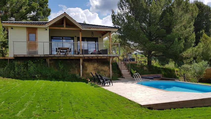 Villa bois*** Lodge terrasse sur pilotis, piscine