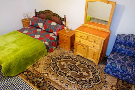 white ande blue private double room - Essaouira