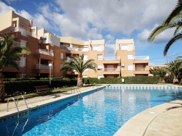 Apartamento bajo 1ª linea de playa - Denia