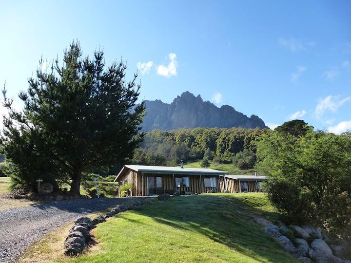 Silver Ridge Retreat Spa Cabin2+ heated pool+