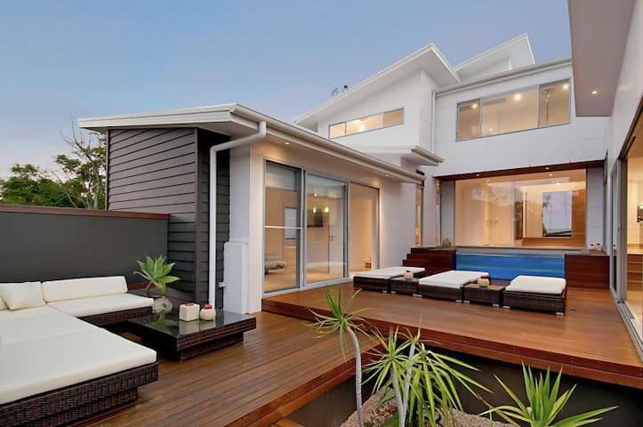 Resort-style oasis in Terrigal - Terrigal - Rumah