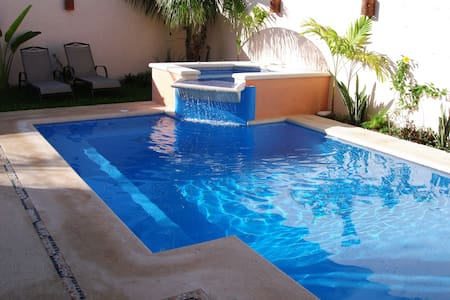 Private House, large pool, hot tub & party deck - San Miguel