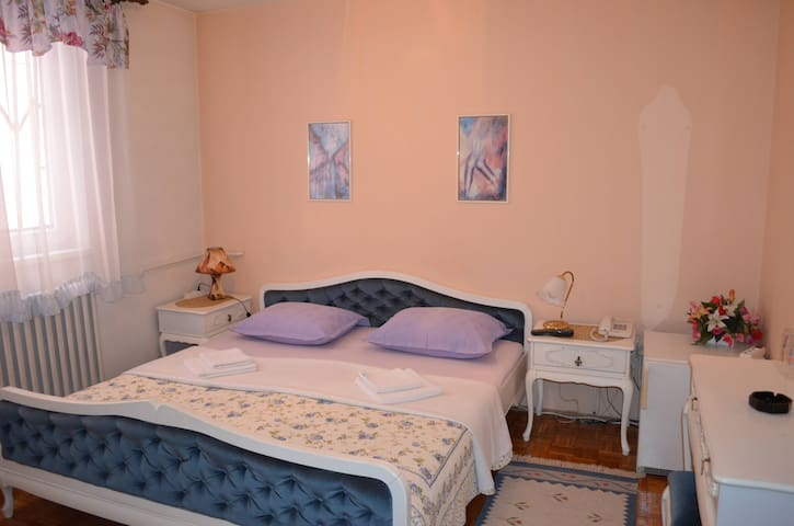 Private room for 2 people - Sarajevo - Bed & Breakfast